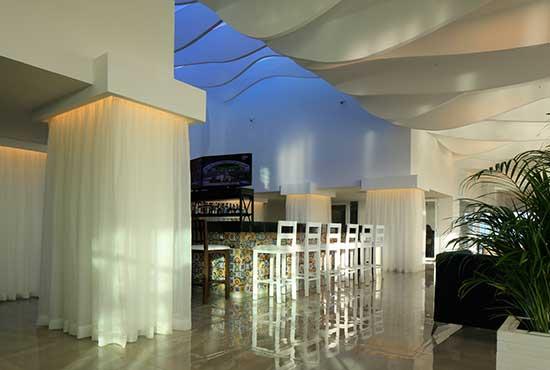 lobby bar at oleo cancun playa all inclusive resort