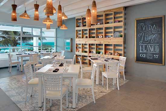 Oleo Cancun Playa® Azul Restaurant