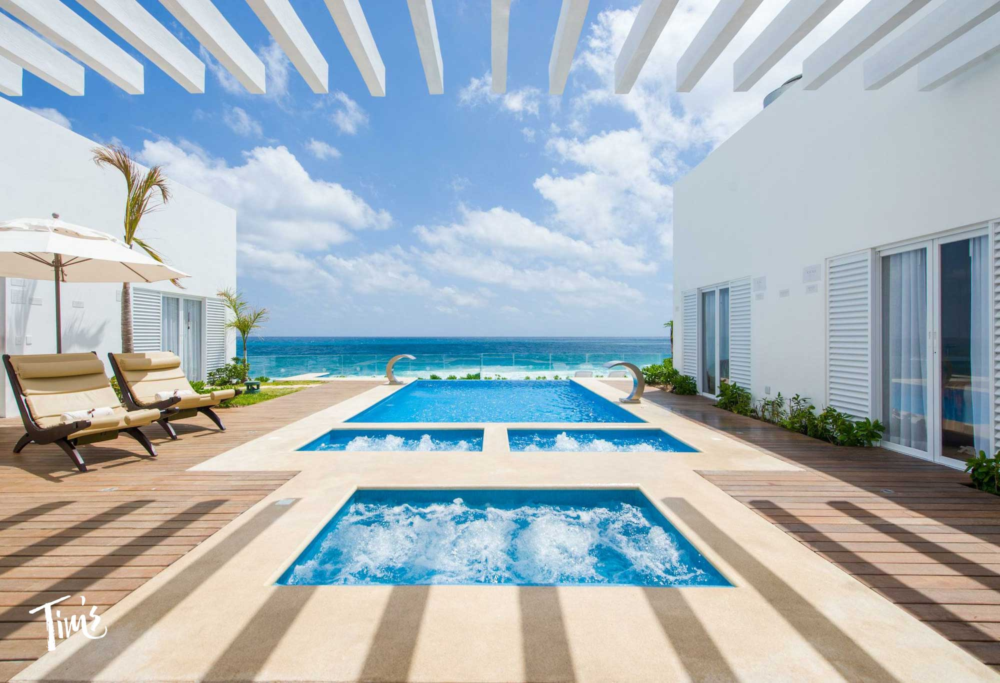 Hydro therapy pools at Oleo Playa Cancun
